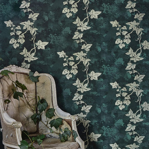 Barneby Gates wallpaper - Ivy, Deep green