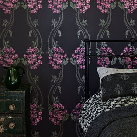 Barneby Gates wallpaper - Autumn Berry