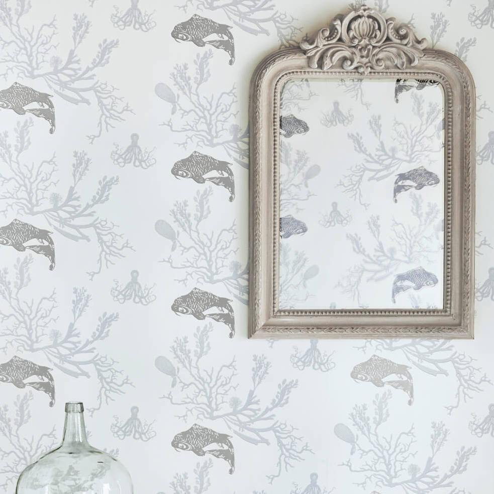 Barneby Gates wallpaper - Coral, Pale grey / silver