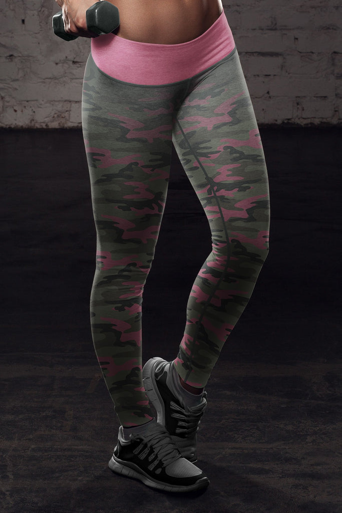 Classic Leggings in Print All Over Pink Camo Design