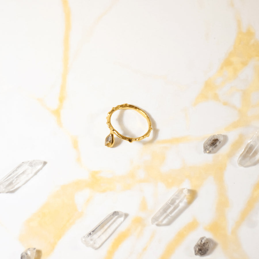 Simple Rain Ring with Stone - Gold