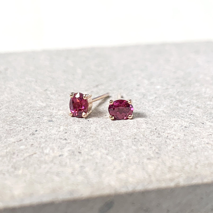 Kaylee Earrings - Rhodolite Garnet