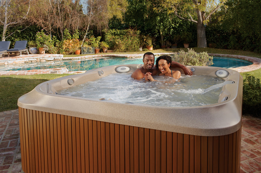 How to Lower the Bromine or Chlorine Level in a Hot Tub