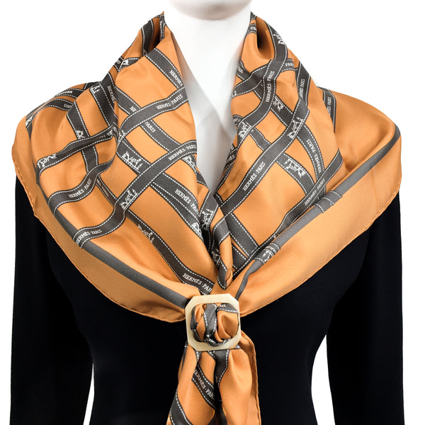 Anneau Boucle Horn Scarf Ring shown with HERMES Bolduc Carre
