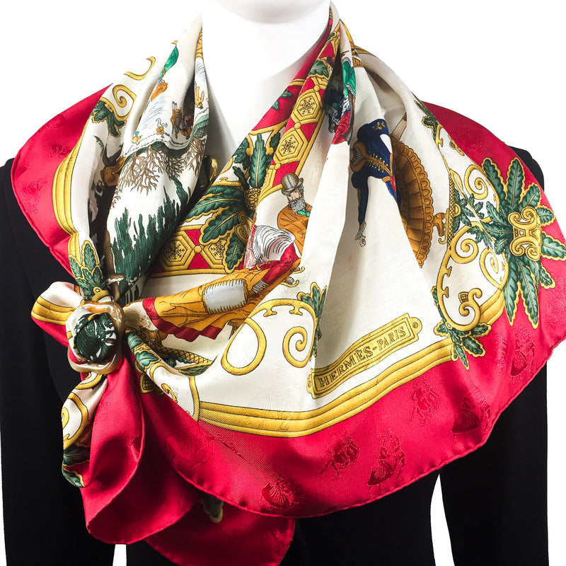 Grand Anneau de Luxe Horn Scarf Ring with HERMES Joies d'Hiver Carre