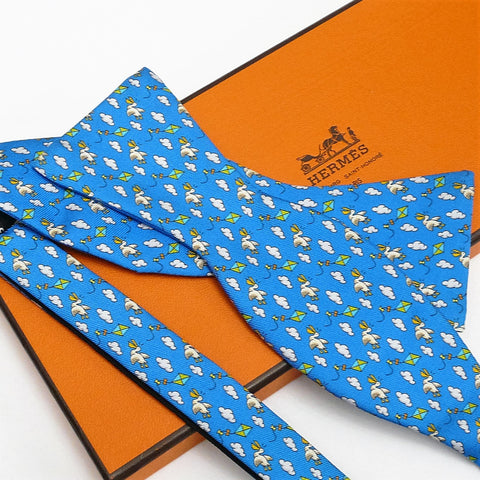 Authentic Vintage Hermes Silk Bow Tie Unisex Noeud Papillon w/Kites and Pelicans NIB