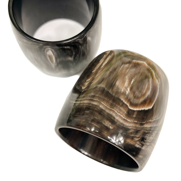 Anneau Luxe Moderne Horn Scarf Ring
