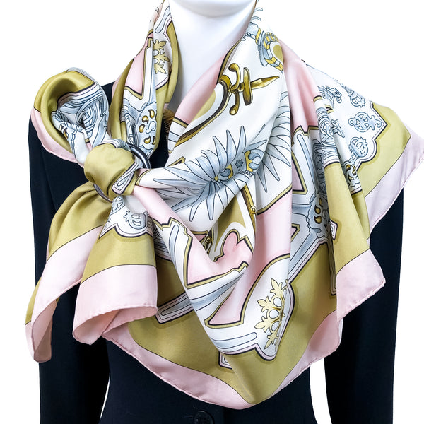 Les Eperons Hermes Scarf by Francoise de la Perriere 90 cm Silk Twill Early Issue Pink