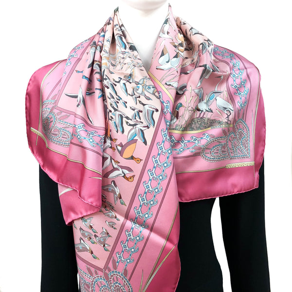 Libres Comme L'Air Hermes silk scarf in beautiful pink tones