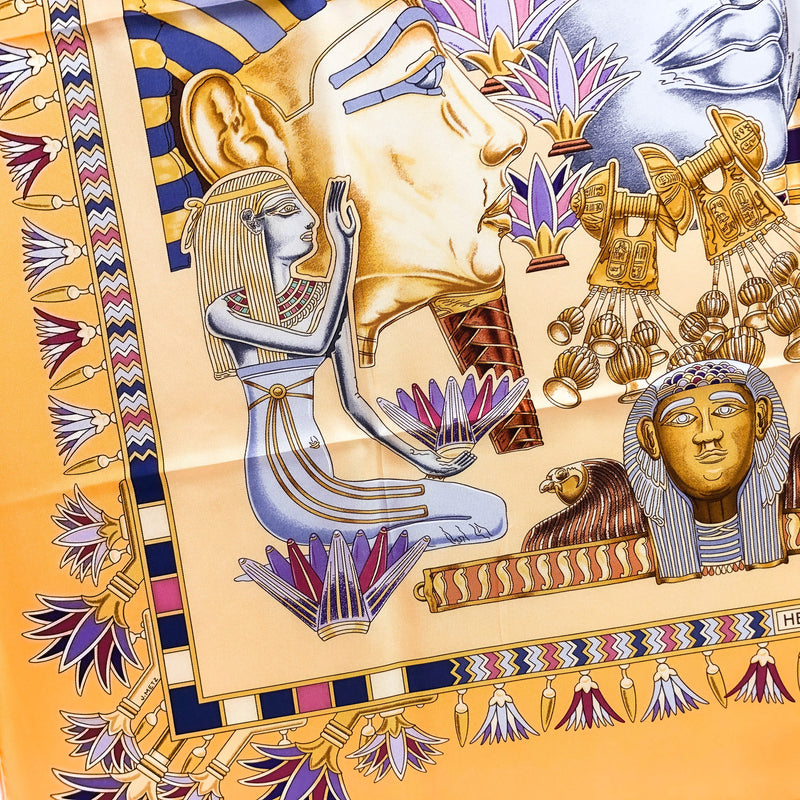 lower left corner of Tresors du Nil Hermes Scarf