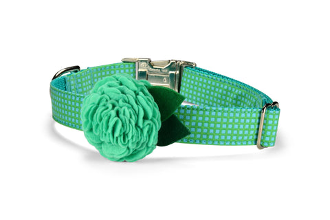 Seaside Criss Cross Bloom Dog Collar w/ Mint Bloom