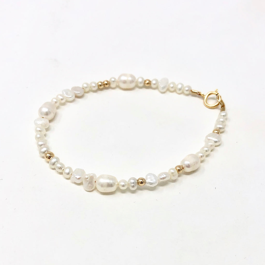 White Pearl and Bead Bracelet Bracelet