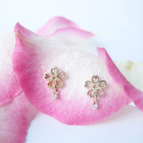 Small Sakura Stud Earring with Diamond