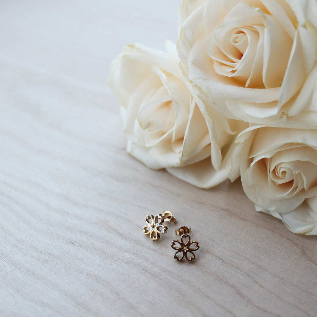 Small Sakura Stud Earring - Yellow Gold