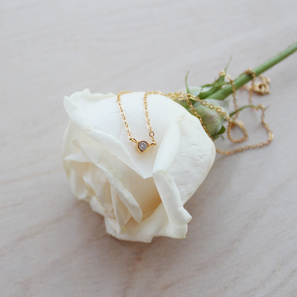 Yuuyake Necklace - clear diamond, yellow gold