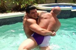 kyle steven chaos lift and carry bearhug submission hold submit pool
