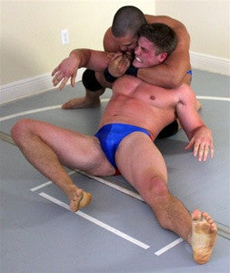Dozer Uno sleeperhold submission submit Thunders Arena