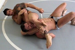 Big sexy brenden cage headscissors submission hold submit thighs