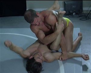 Viggo and Zman wrestle on the mat in Thunders Arena