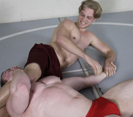 Tak Travis headscissors submission hold submit submission abs chest pecs