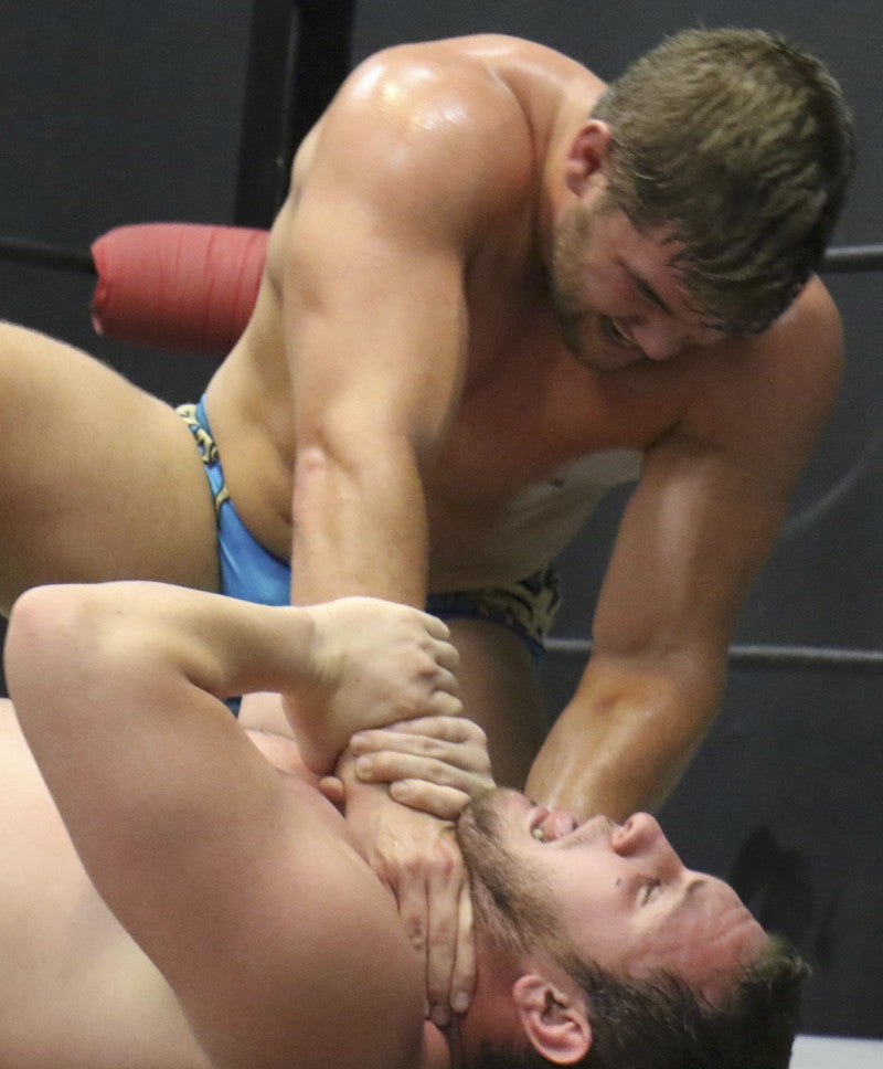 Billy the Kid chokes out NJustice