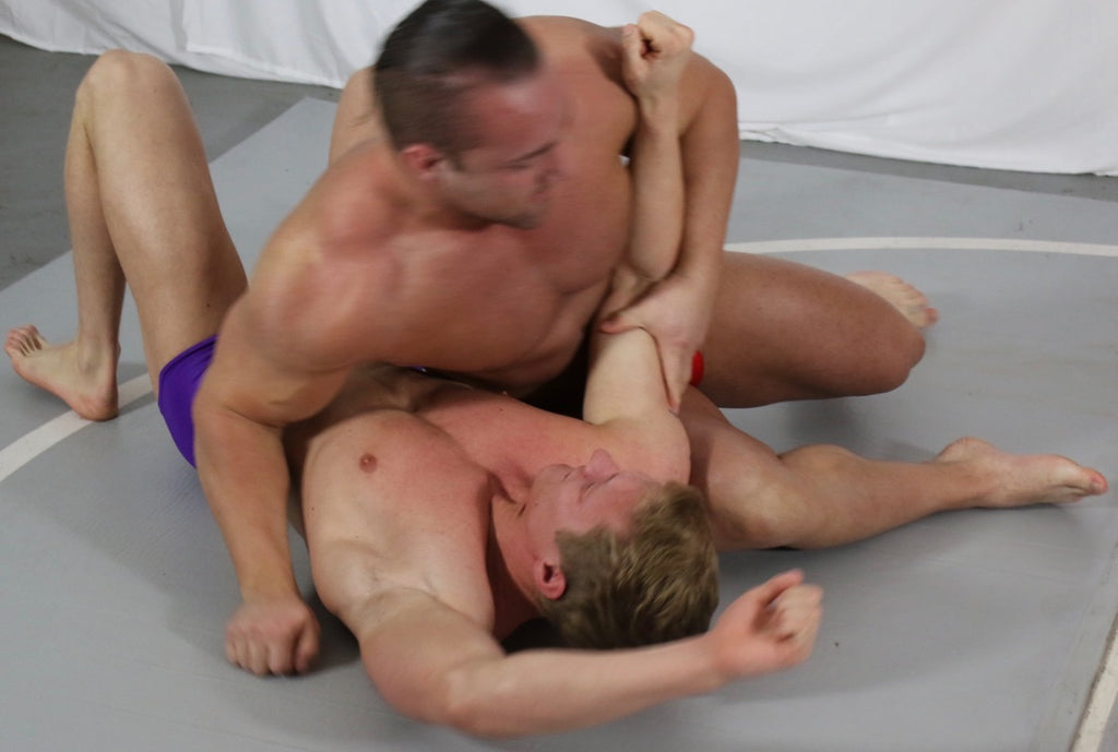 Dolf pins Bager to the mat at Thunders Arena Wrestling