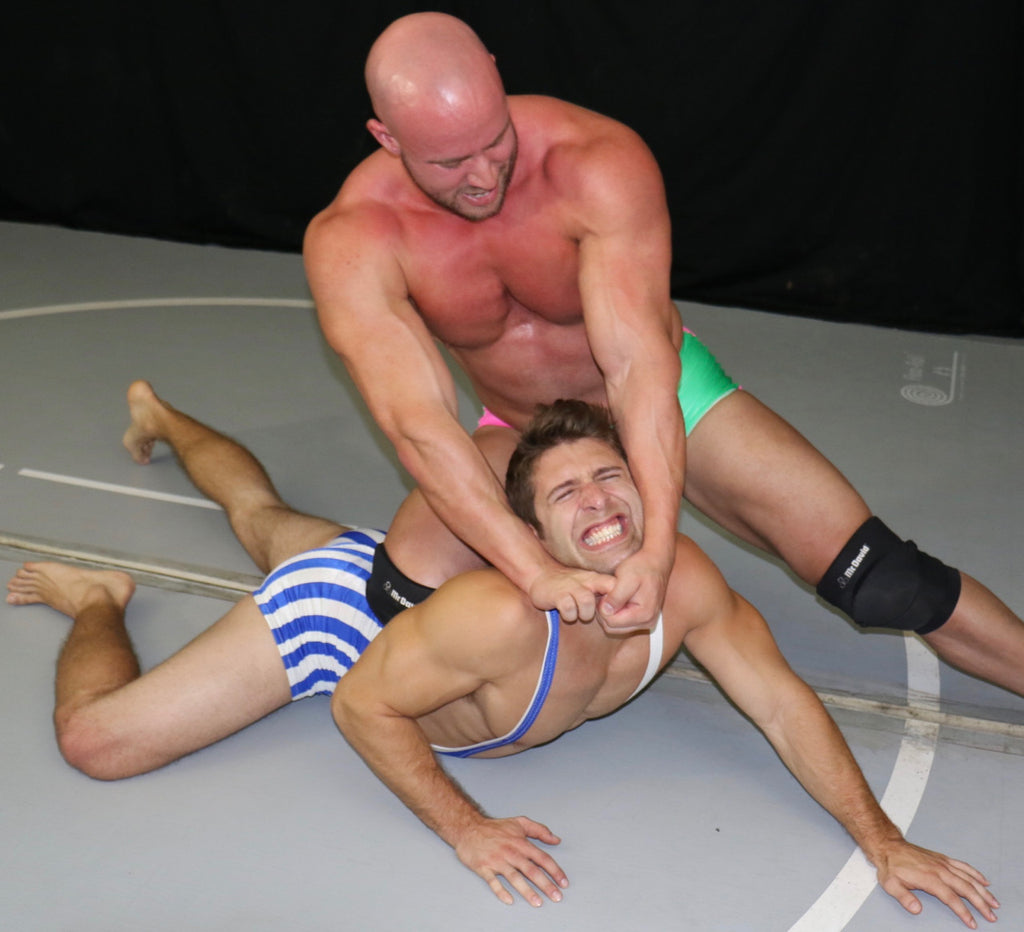 Brute stretches Blayne in Thunders Arena