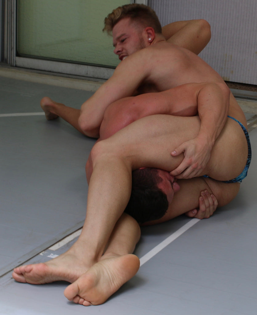 men dominating men thunders wrestling