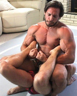 dakota ken boston crab submission hold submit thunders arena chest pecs