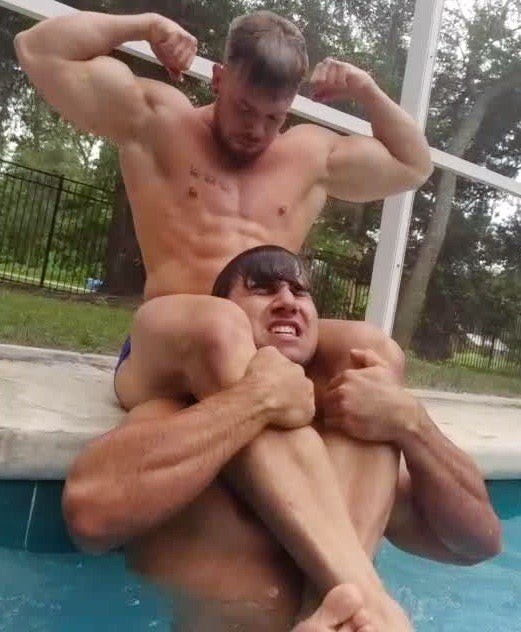 Victory head scissor in pool