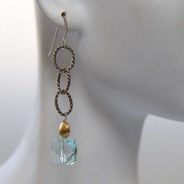Aquamarine on Striated Link Earrings