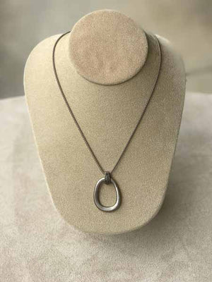 Geometric Oval Silver Necklace