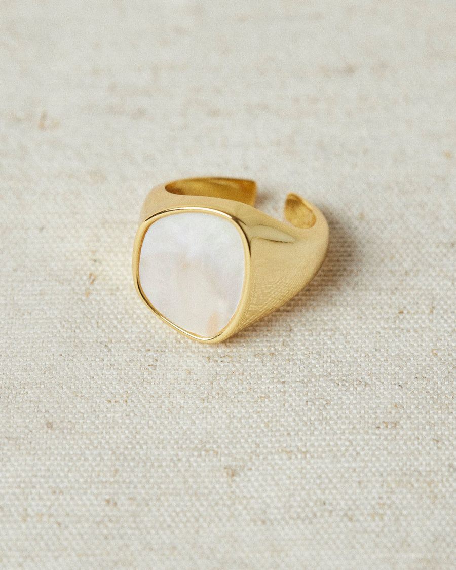 Opaline Ring Gold
