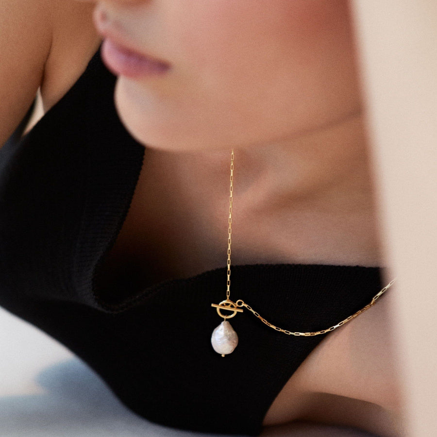 Teardrop Pearl Necklace Gold