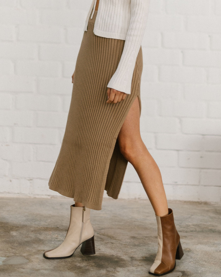 Wise Opened Knit Skirt Camel