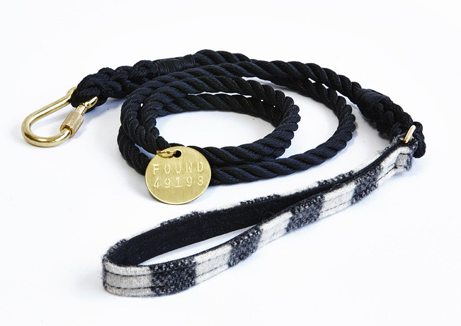 Black and white plaid rope lead