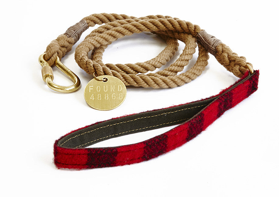 Red plaid rope lead