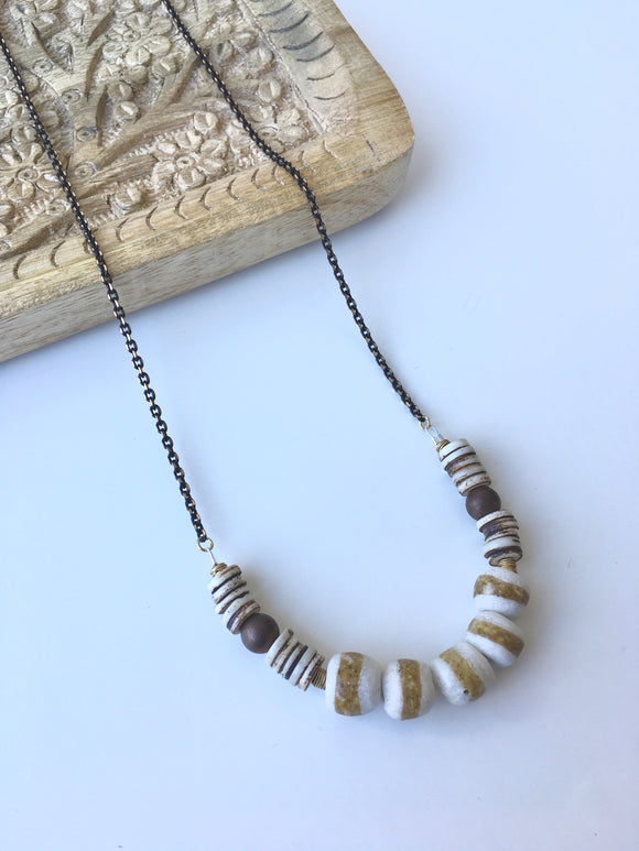 Bronze line necklace