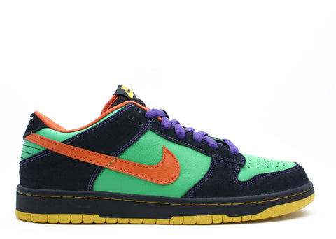 "NIKE DUNK LOW PREMIUM SB ""HALLOWEEN"""