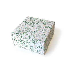 White Berries Gift Wrap
