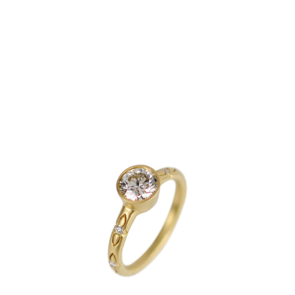 18K Gold 3/4 Carat Diamond Ring on Lotus Band