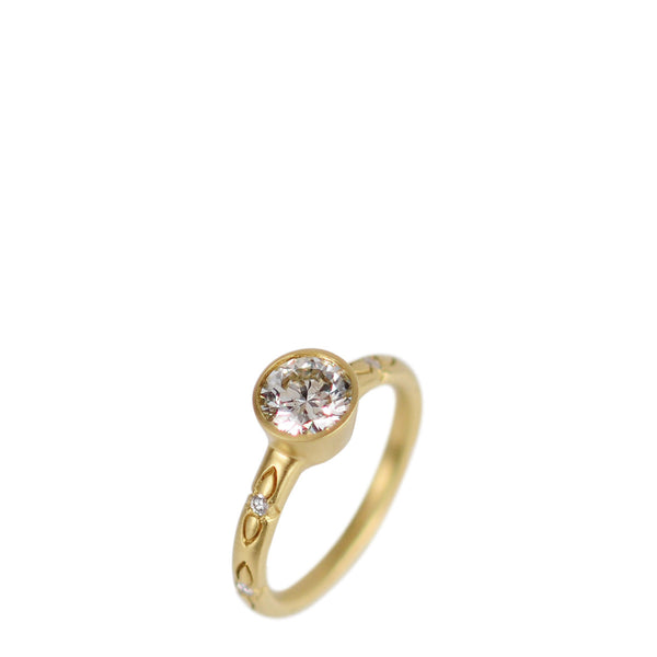 18K Gold 1 Carat Diamond on Lotus Band