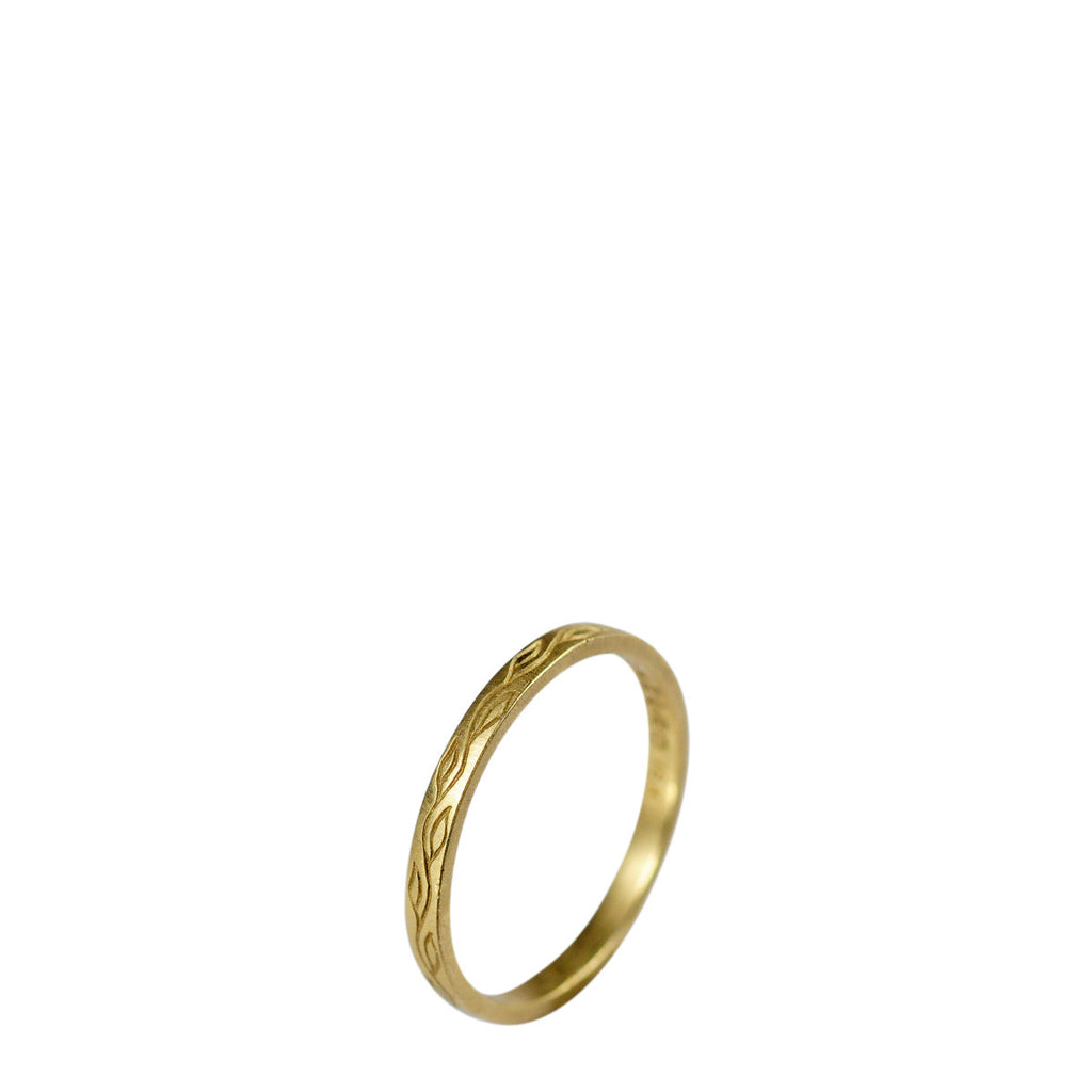 18K Gold Flat Vine Band
