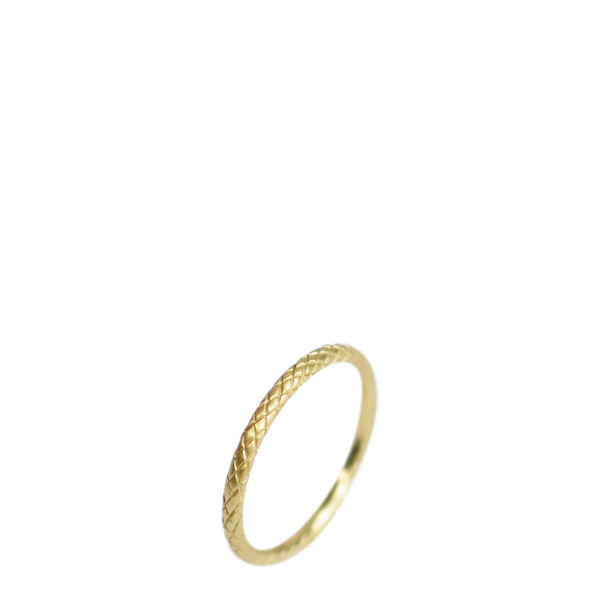 18K Gold Fine Fish Scale Band