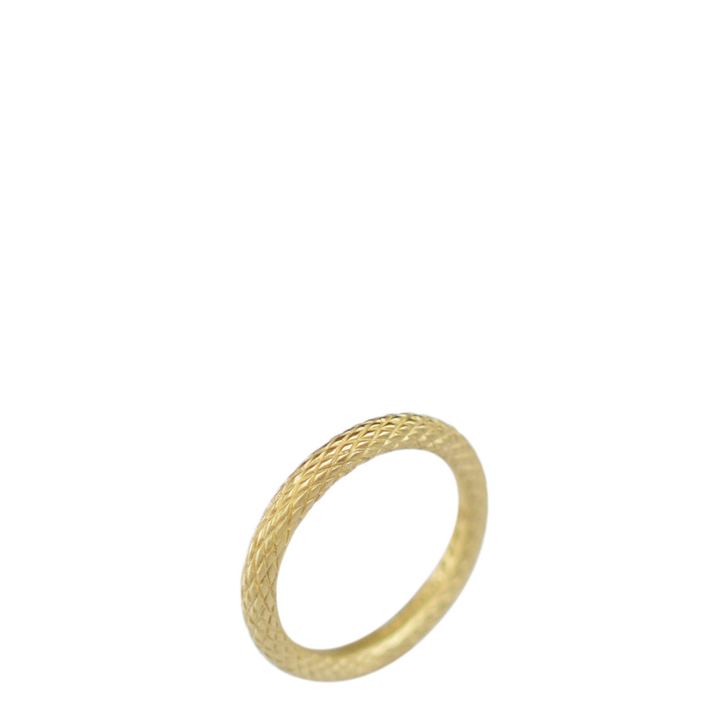 18K Gold Wide Fish Scale Band
