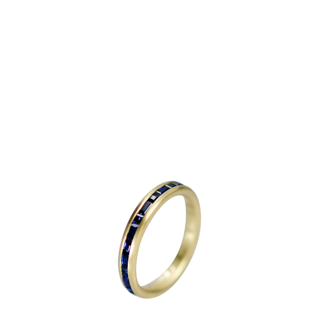 18K Gold Fine Band with Sapphires