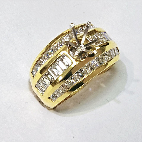18kt yellow gold diamond mounting.