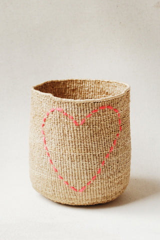 Stitched heart basket / Panier coeur