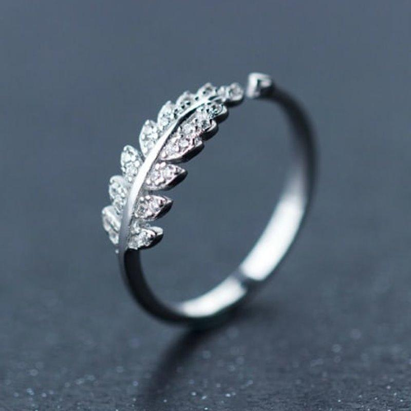 Trendy Shining Leaves Ring AlifJewellery