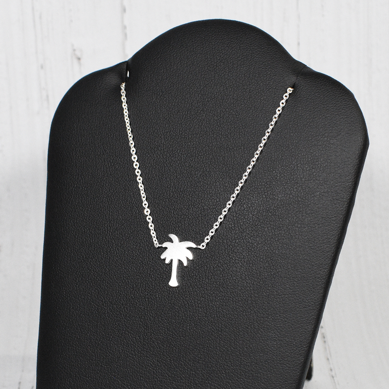 Palm Tree Necklace In Silver (NEW) - GetDawah Muslim Clothing
